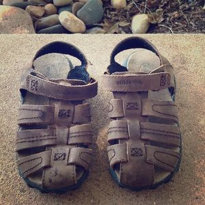 Used leather toddler size 10 sandals